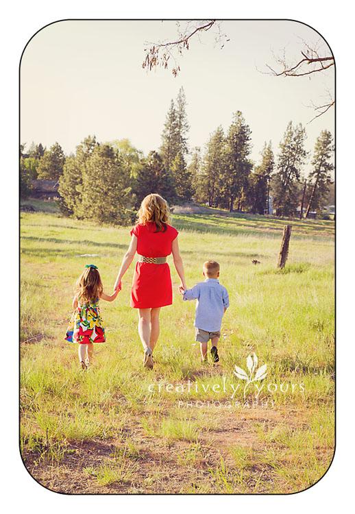 Momma and Little Kids Pictures in Spokane