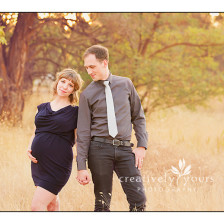 Baby Bump Pictures in a field in Spokane WA