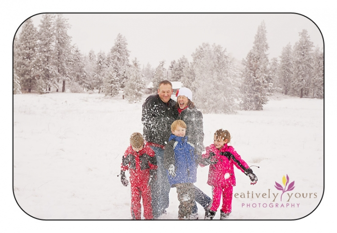 Family Pictures in the Snow in Spokane WA