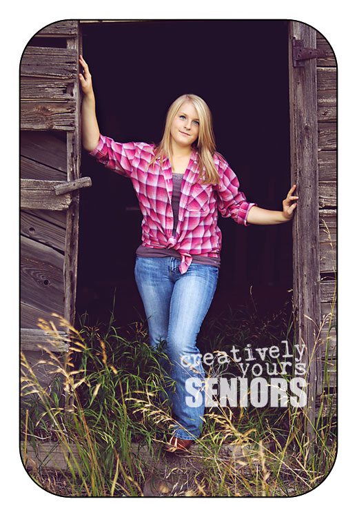 Country Girl Senior Pictures by an old barn in Cheney WA