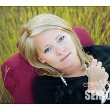 Stunning close up senior pictures in a field in Spokane WA
