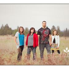Beautiful family photos in a field in Spokane WA