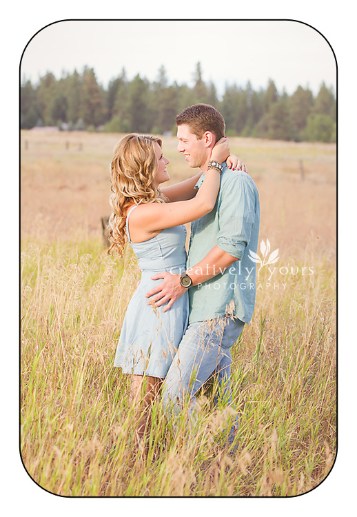 Eastern WA Engagment Photos in a field by Creatively Yours