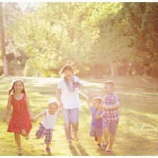 Spokane Fall Family Mini Sessions by Creatively Yours Photography.